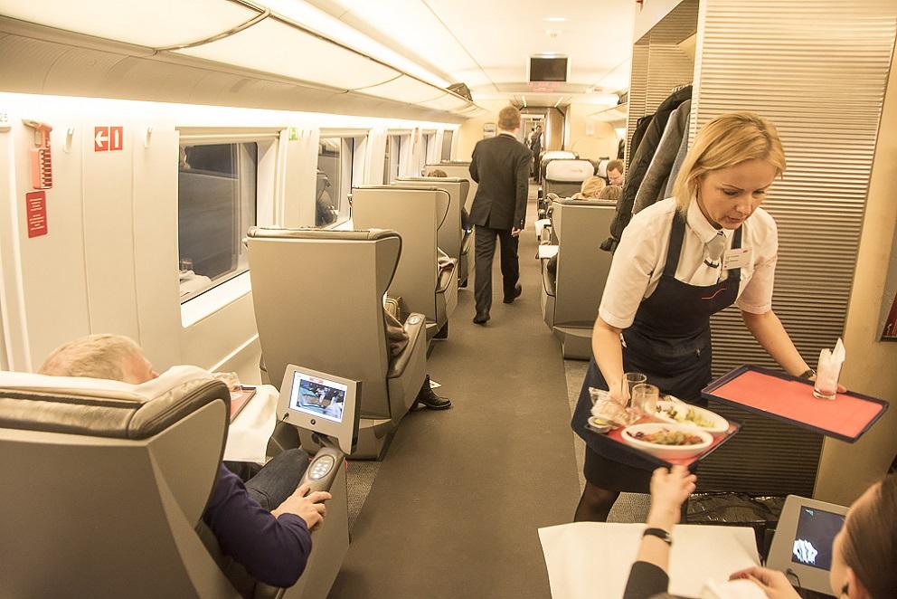 Первый класс в поезде Сапсан
