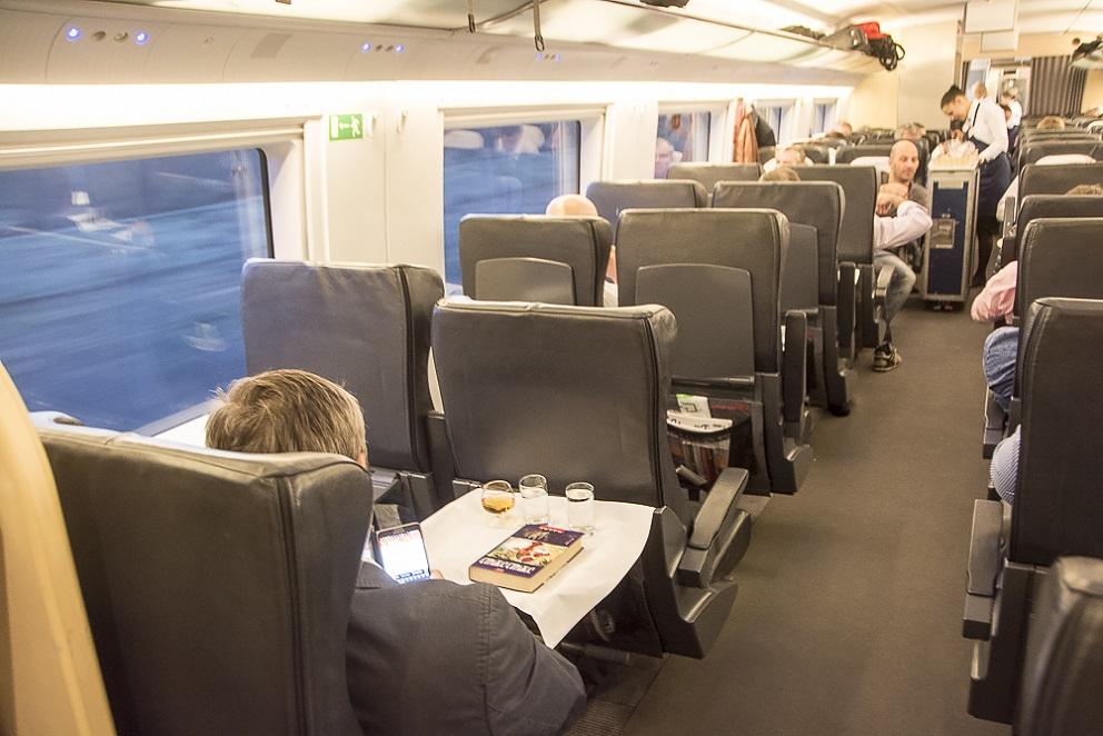"""Фото вагона бизнес-класса в поезде """"Сапсан"""""""