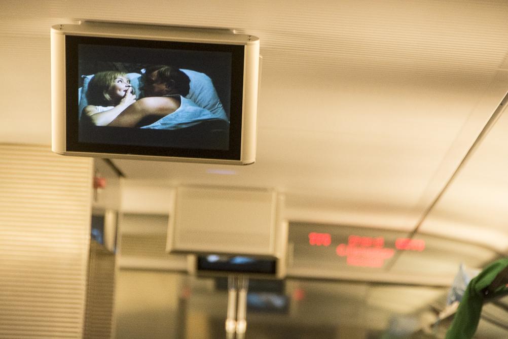 Трансляция фильма в поезде Сапсан