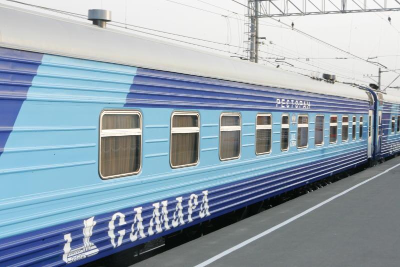 """Фирменный поезд 107 """"Самара"""" в Санкт-Петербург"""
