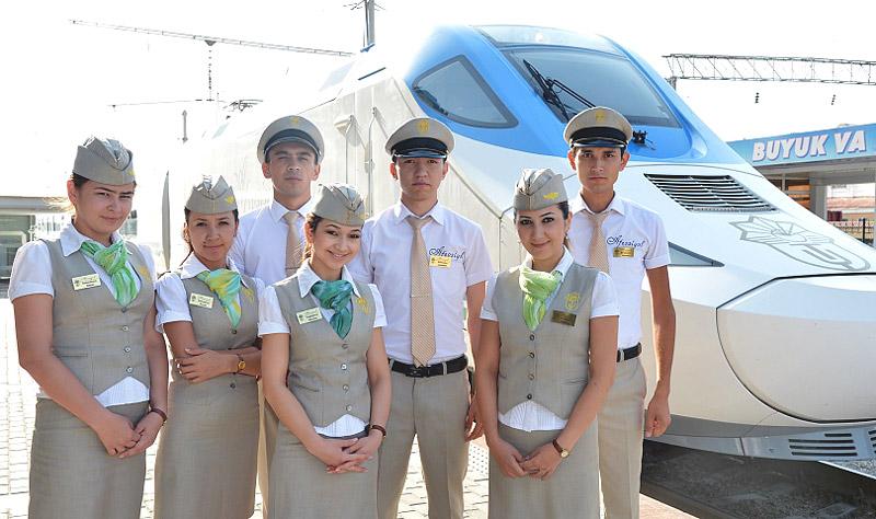 Бригада проводников поезда Афросиаб