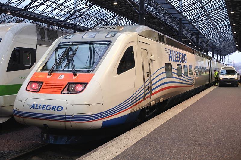 "Поезд ""Аллегро"" на ЖД вокзале Хельсинки"