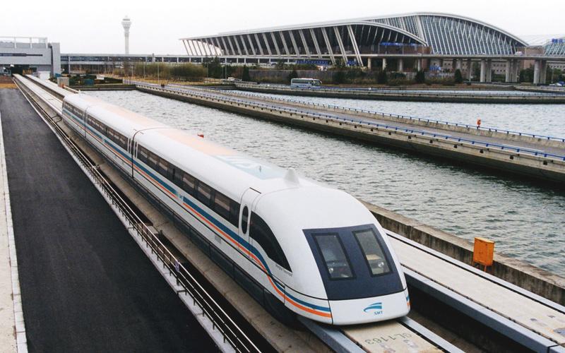 "Поезд ""Маглев"" у шанхайского аэропорта Пудун"