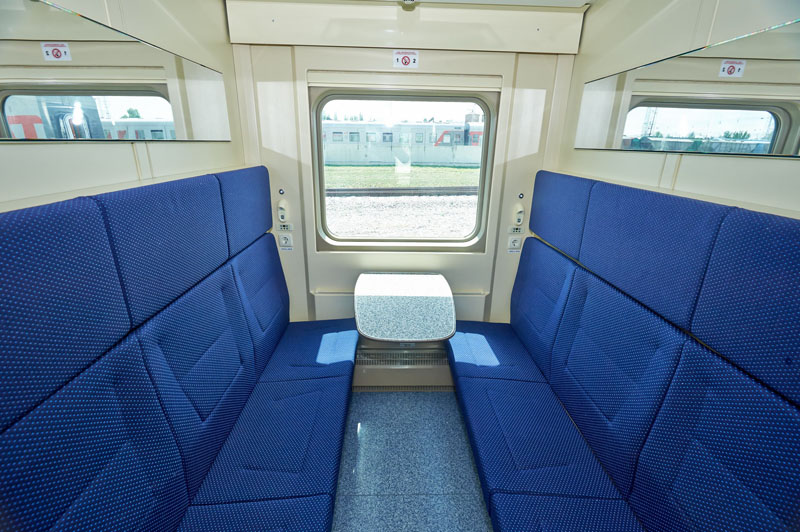 Фото СВ-купе в двухэтажном поезде 104р