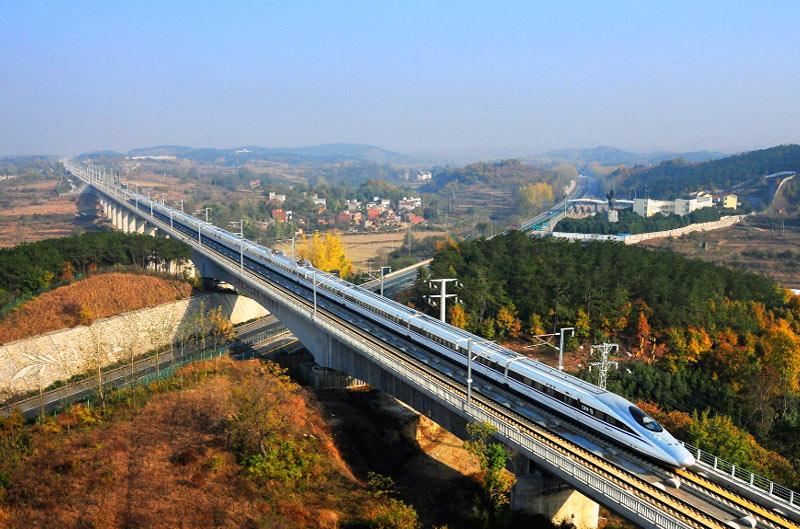 Высокоскоростной поезд CRH-380A на маршруте