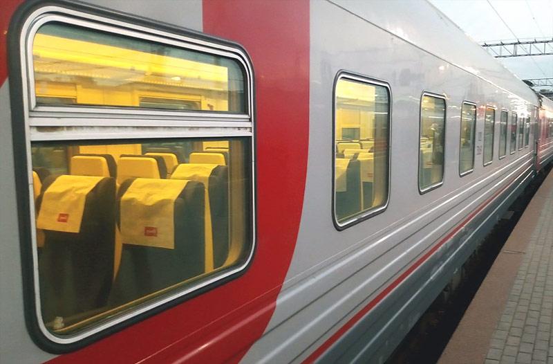Фирменный поезд Ярославль-Москва