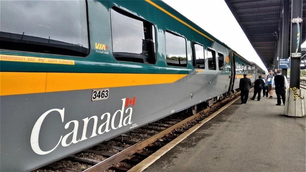 Вагон пассажирского поезда в Канаде