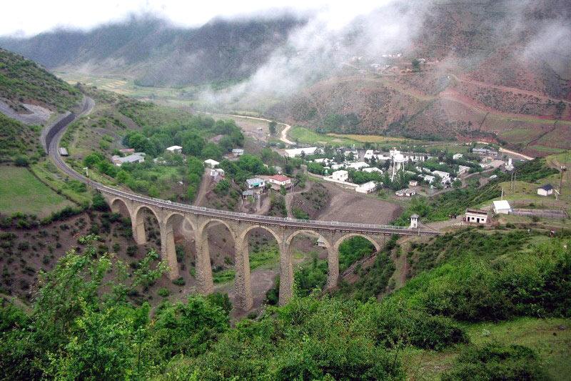 Железнодорожный мост в Иране