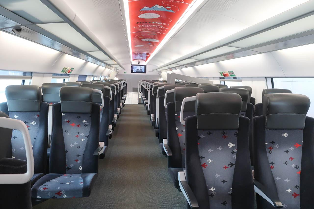 Интерьер второго этажа поезда Аэроэкспресс
